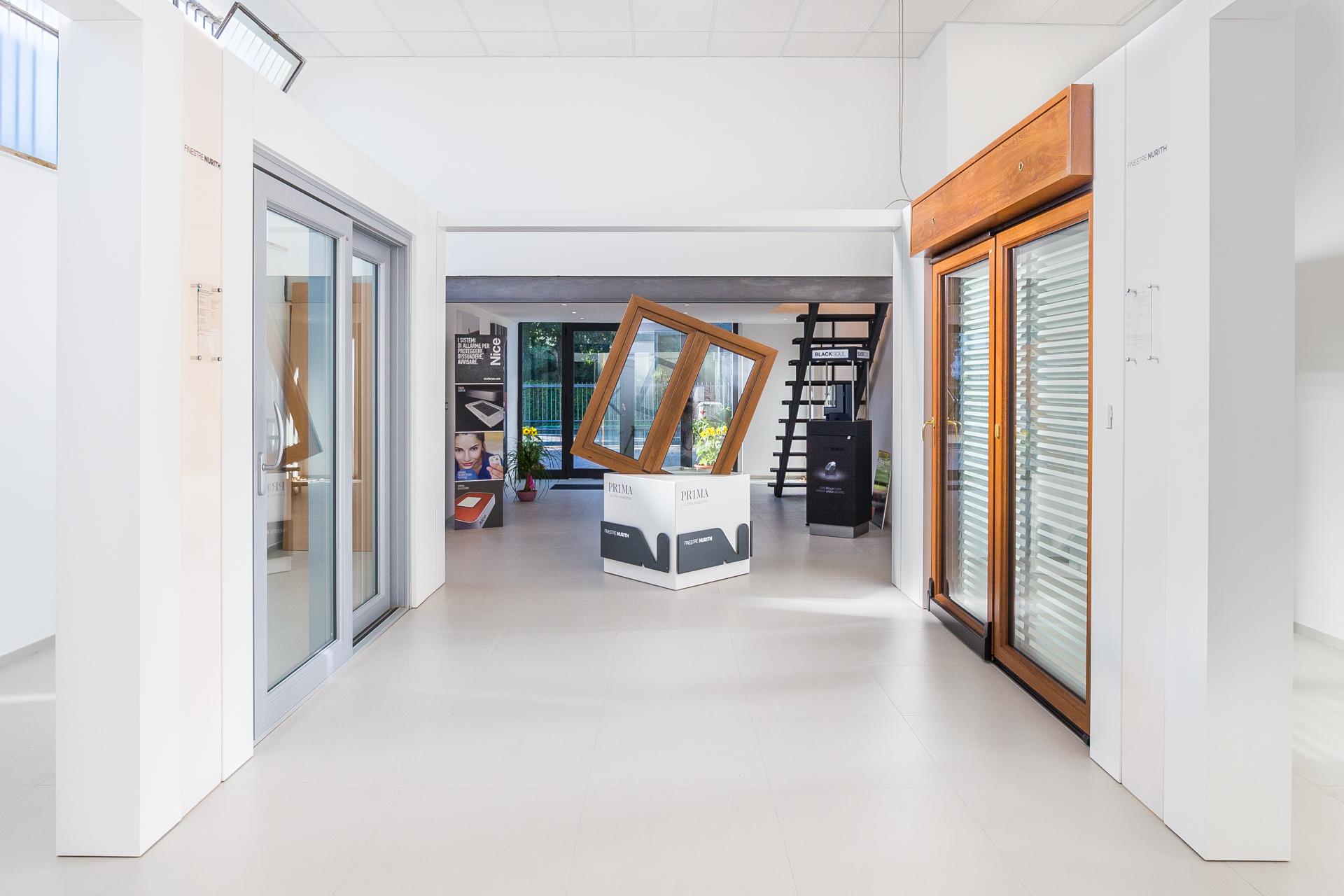 Frame Showroom Rimini | Infissi, finestre, porte, persiane, tapparelle, zanzariere | Rimini